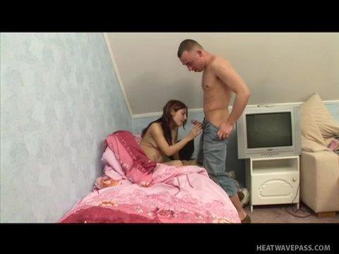 Брат пришел среди ночи к беременной сестре и выебал ее