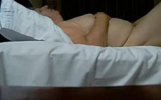 Секс с бабушкой снятый скрытой камерой
