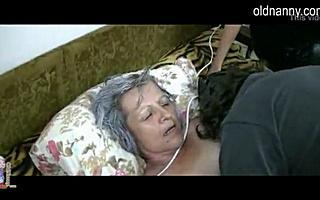 70 летняя бабка трахает последний раз в жизни