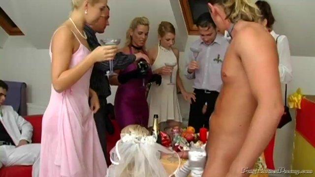 Оргия после свадьбы с невестой и женихом